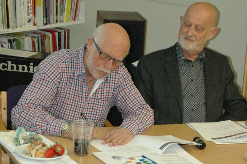 Bjorn Hansen Signerer Partnerskapsavtale
