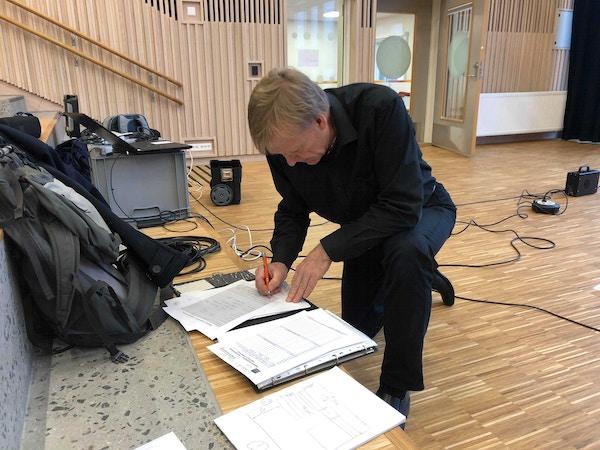 Jon A Olsen maler akustikk