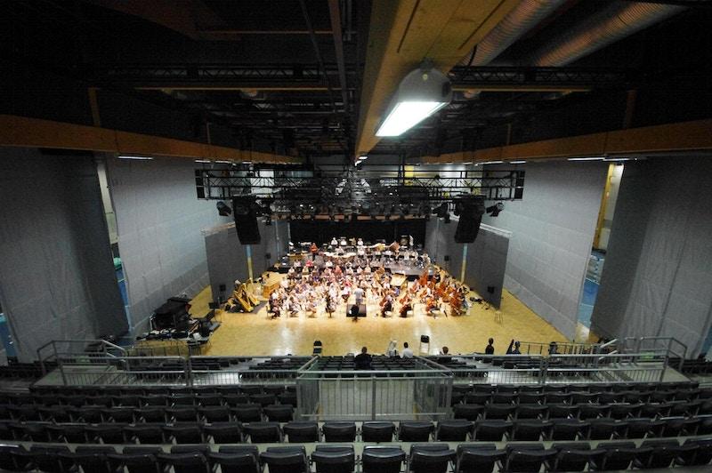 Mot orkester