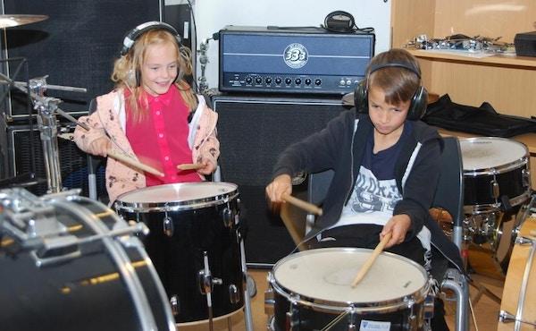 Korps i skolen pa trommer Foto Ramona Nordnes Trysil kommune