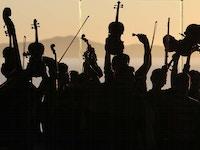 Orkester i solnedgang