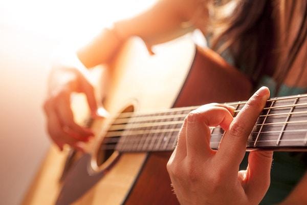 White Club Gitar Kurslari